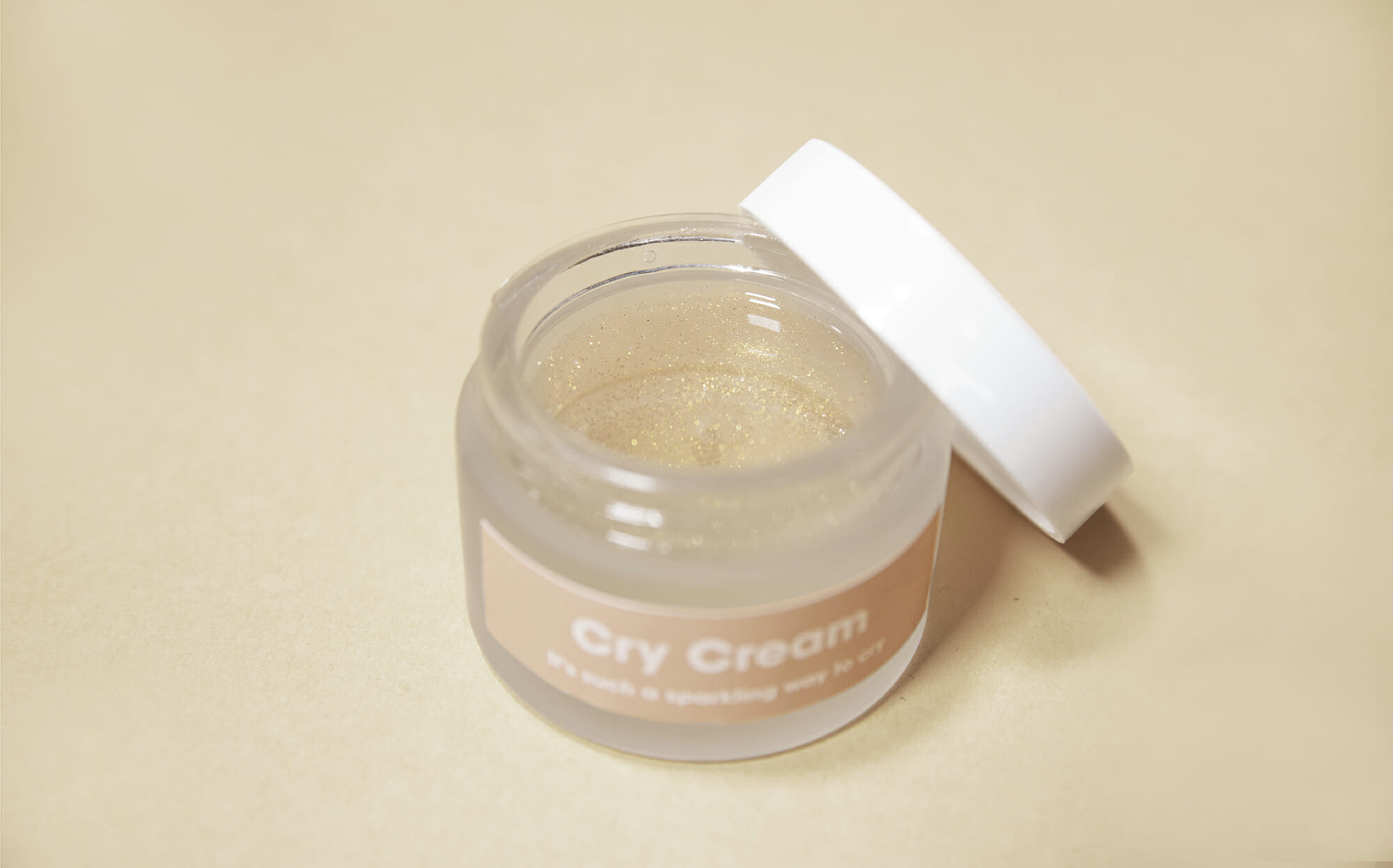 Cry cream - glitters to protect your skin